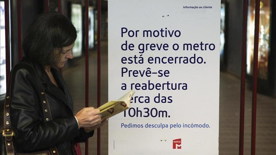 La huelga de trabajadores paraliza el metro lisboeta por tercera vez este mes