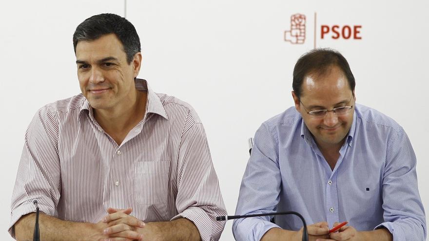 Pedro Sánchez reúne en Ferraz a 16 de los 18 miembros que se mantienen fieles en su Ejecutiva