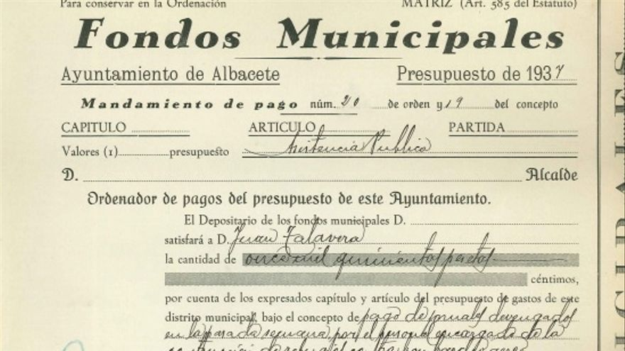 Mandamiento de pago del Ayuntamiento de Albacete destinando fondos municipales para la construcción de refugios contra los bombardeos aéreos
