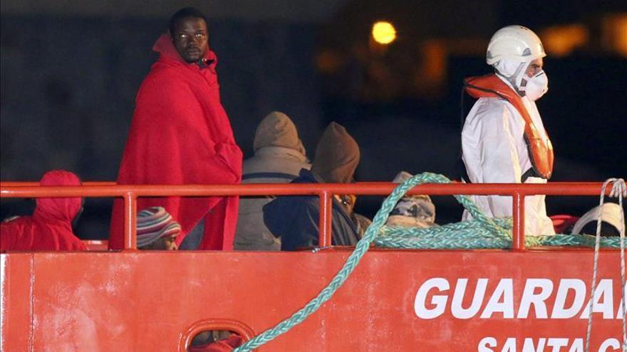 Imagen de archivo de un rescate de Salvamento Marítimo. / EFE.