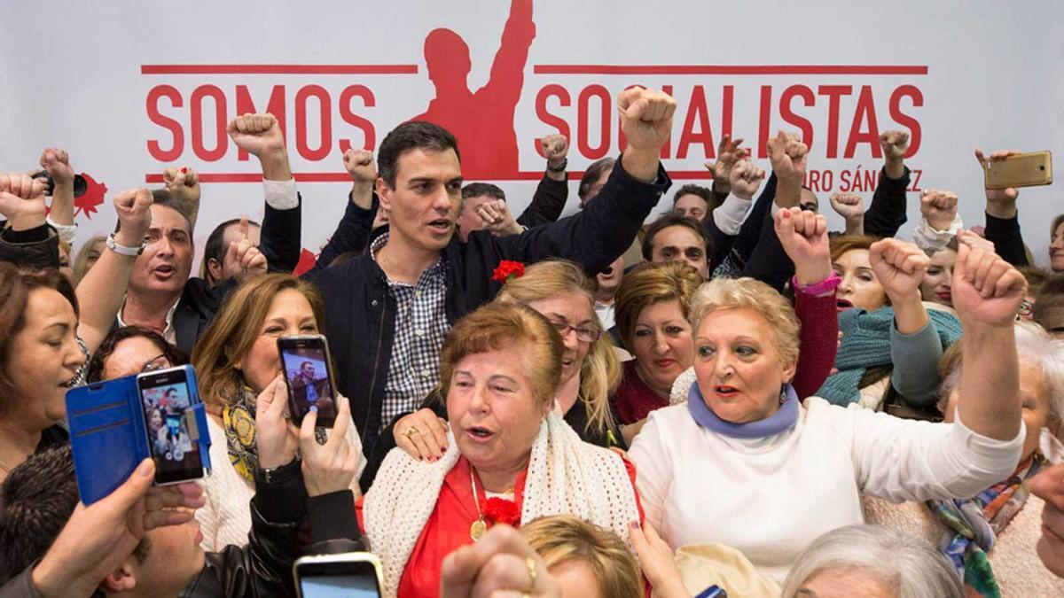 Pedro Sánchez, durante la campaña de primarias socialistas de 2017, en Calasparra.