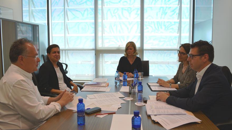 Imagen de la reunión de Bravo con los abogados