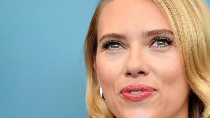 """La """"Viuda Negra"""" de Scarlett Johansson,de reunión familiar en un nuevo avance"""
