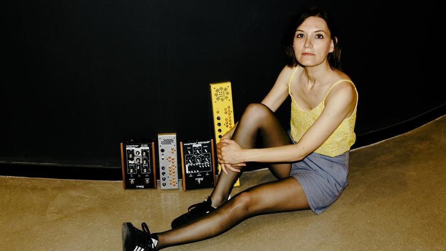 Cécile Schott (Colleen)