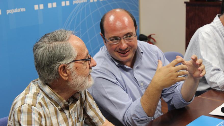 Pedro Antonio Sánchez conversa con Francisco Cerdrán / PSS