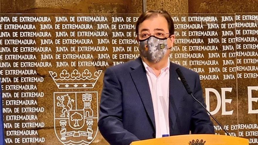 Guillermo Fernández Vara, en la comparecencia ante la prensa de este jueves.