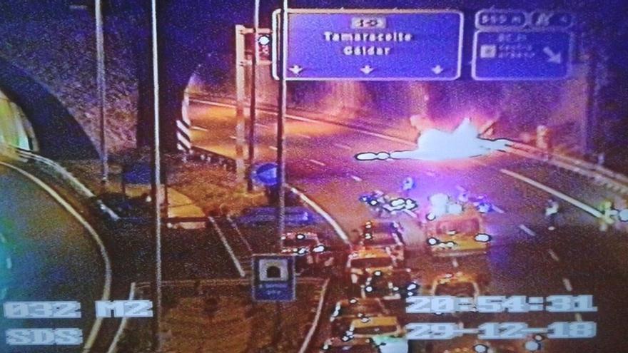 Incendio a la entrada de un túnel de la Circunvalación.