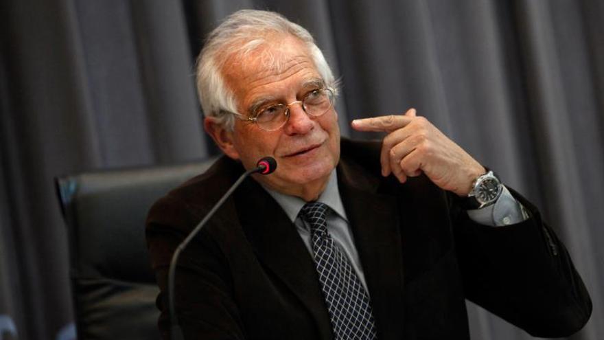 Borrell: Estamos al borde de un enfrentamiento civil en Cataluña