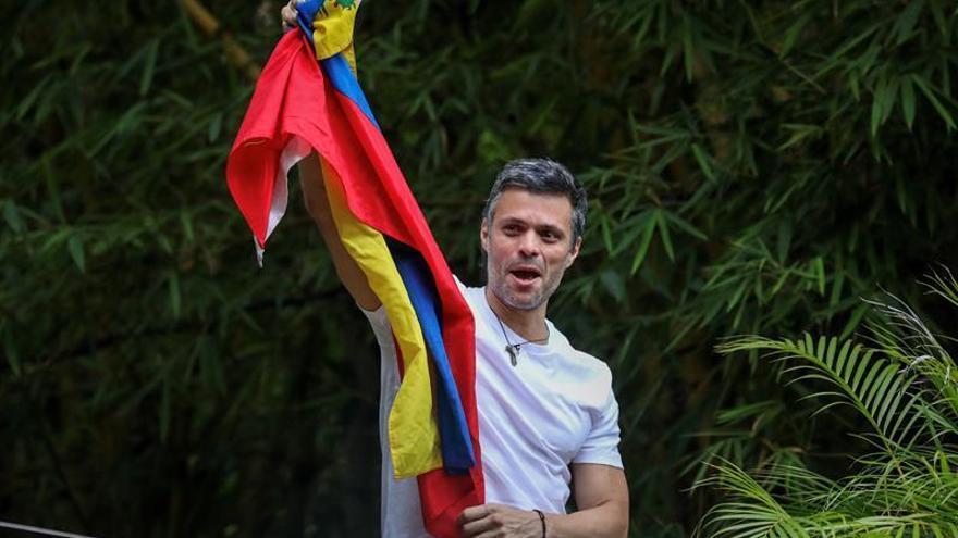 """López habló con Zapatero de la """"exigencia del pueblo"""" de retirar la Constituyente"""