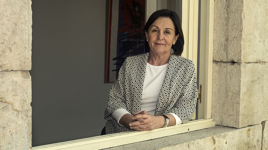 Lola Gorostiaga, presidenta del Parlamento de Cantabria. |JOAQUÍN GÓMEZ SASTRE