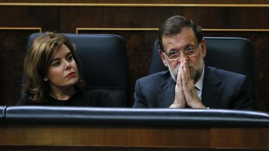 Sáenz de Santamaría aboga por aprobar las medidas anticorrupción cuanto antes