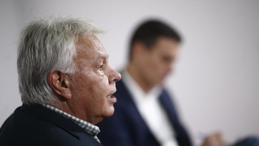 "Felipe González se siente ""engañado"" por Sánchez: ""Me dijo que se abstendría en segunda votación"""