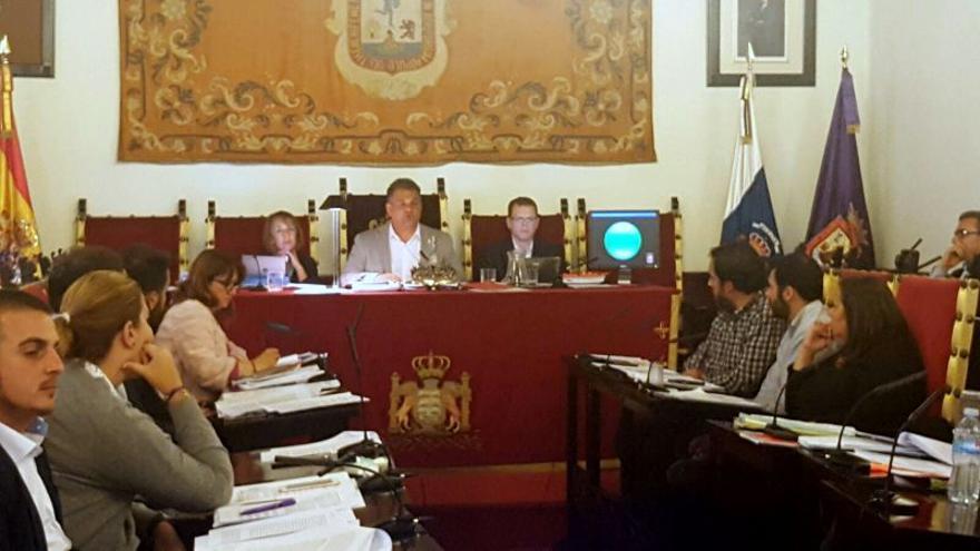 El alcalde de La Laguna, José Alberto Díaz, en una de sus intervenciones en el Pleno