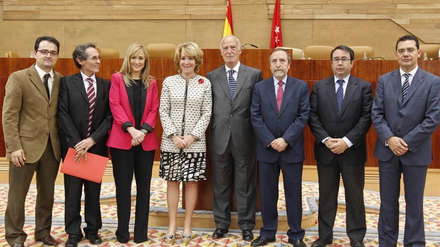 Antero Ruiz, segundo por la izquierda al lado de Cristina Cifuentes en la constitución de la Asamblea de Madrid en 2011.