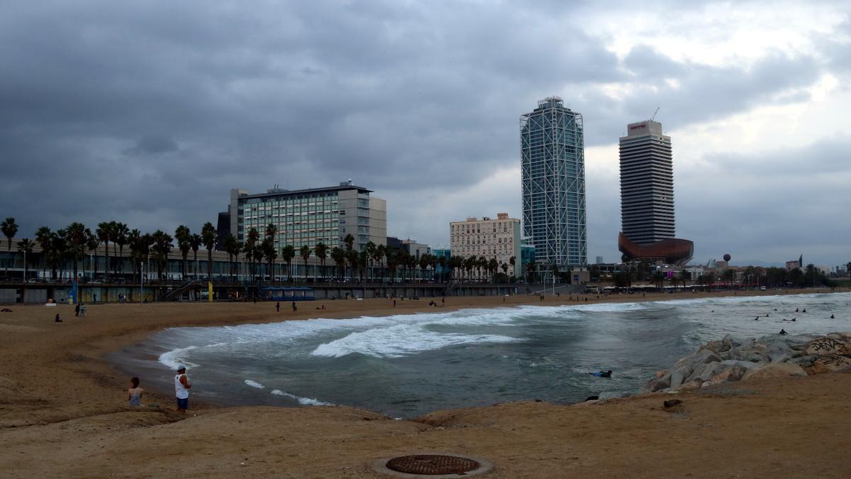 La playa del Somorrostro, en Barcelona, donde se produjeron las agresiones homófobas