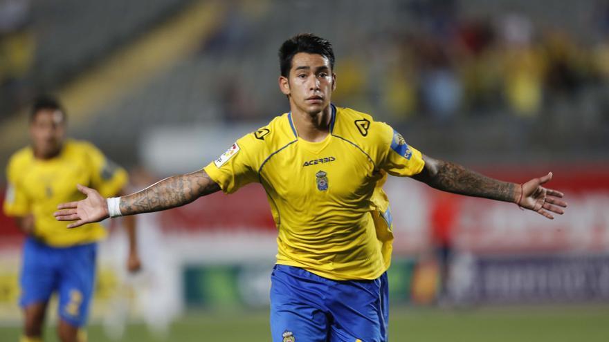 Sergio Araujo tras marcar el gol del 2-0 en el partido que enfrentó a Las Palmas contra el Llagostera. (CARLOS DÍAZ RECIO/ UDLASPALMAS.ES)