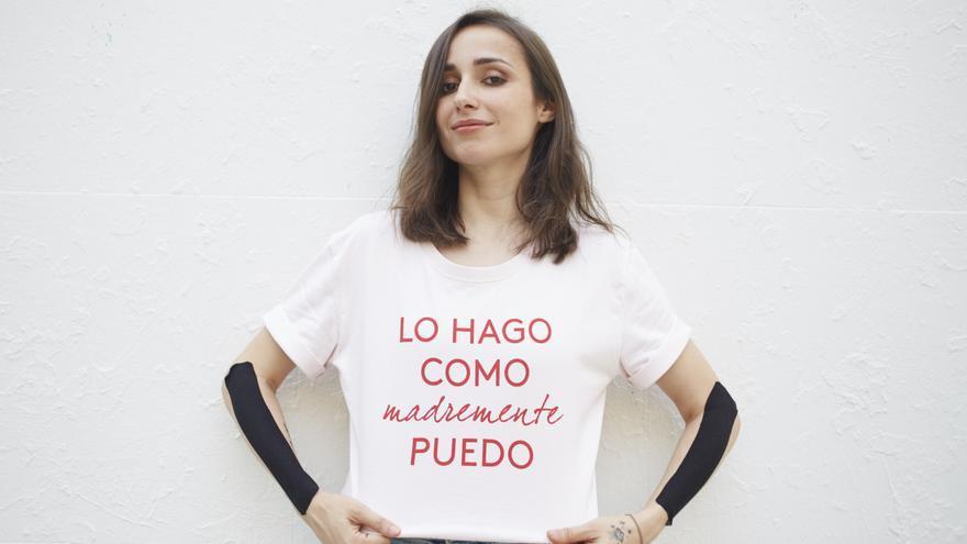 Zahara, con su camiseta de @madremente.