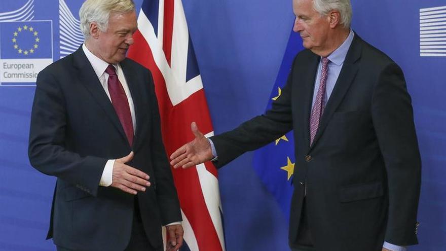 """La UE y Reino Unido inician este lunes la segunda ronda de negociación del """"brexit"""""""