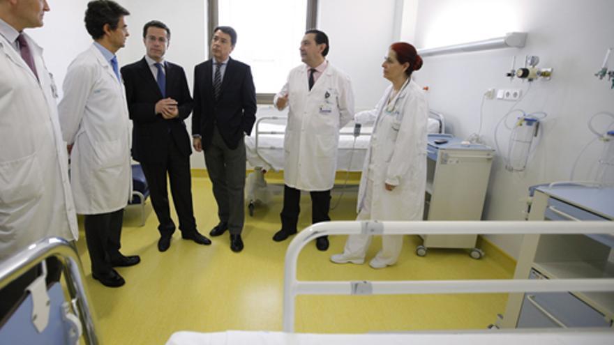 El presidente de Madrid, Ignacio González y su consejero de Sanidad, Fernández Lasquetty.