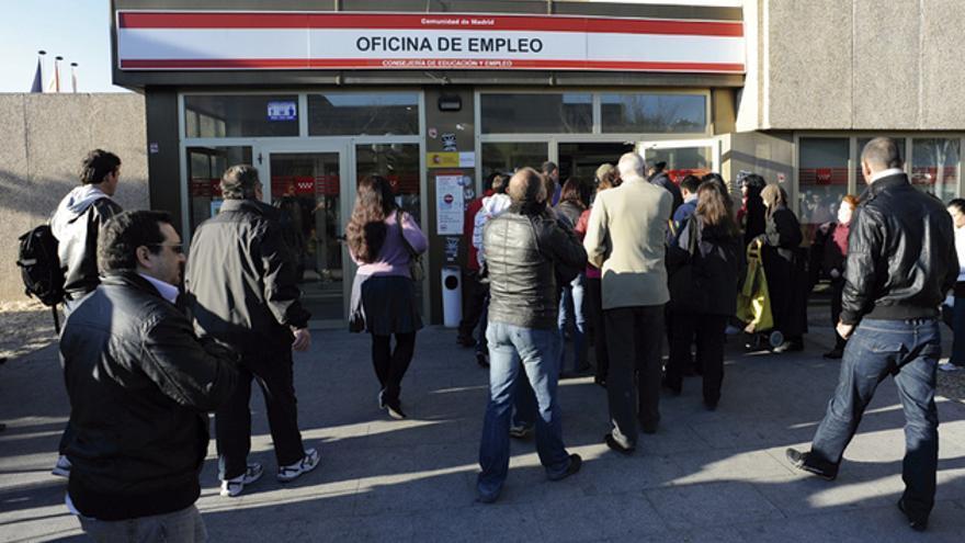 Cola en una oficina de empleo en Madrid. FOTO: UNIÓN EUROPEA 2012 EP