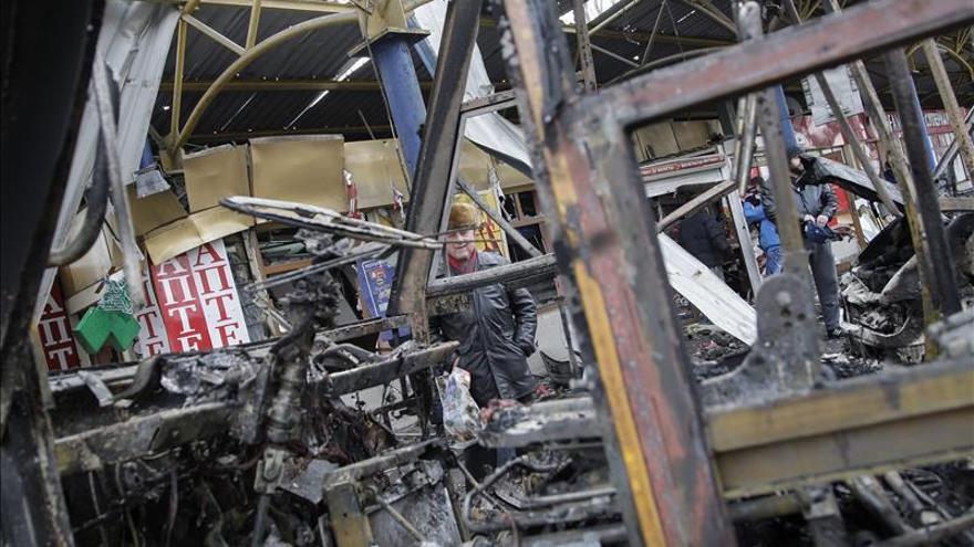 Tres civiles mueren por fuego de artillería en Lugansk, en el este de Ucrania