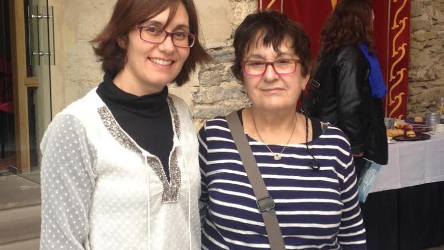 María García, presidenta de la Fundación Isadora Duncan, ( a la izquierda) junto a la responsable del programa 'Cualifícate'.