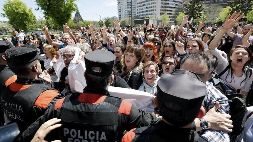 Los integrantes de la Manada quedarán en libertad con una fianza de 6.000 €