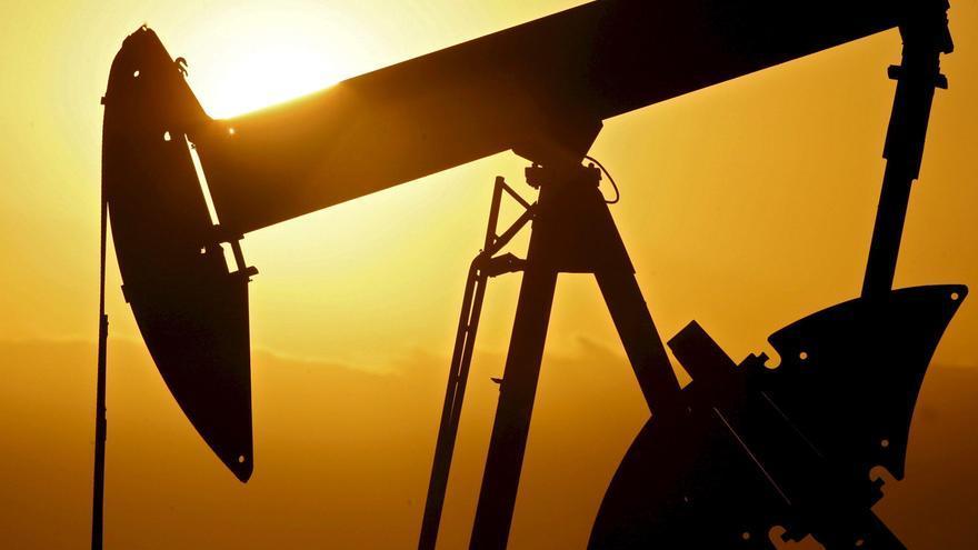 El petróleo de Texas abre con un descenso del 0,54 %, hasta los 66,06 dólares el barril
