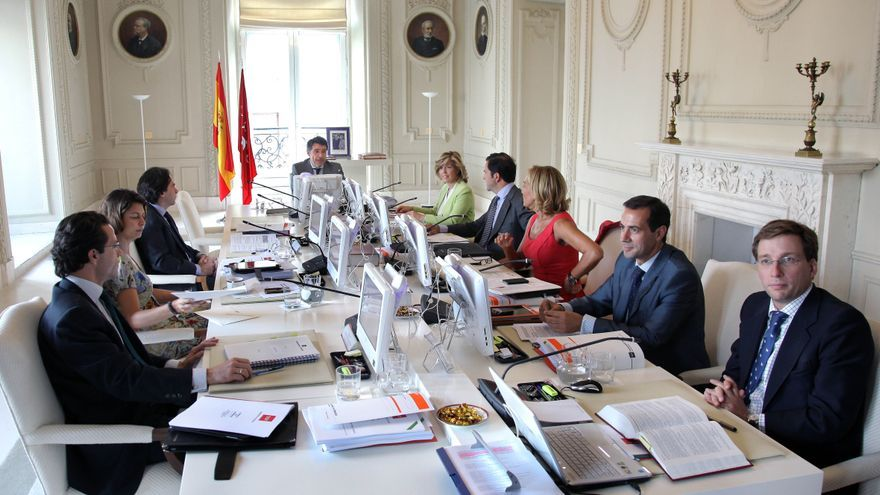 """Aguirre pasa unos días de descanso """"muy relajada"""" tras su dimisión como presidenta de la Comunidad de Madrid"""
