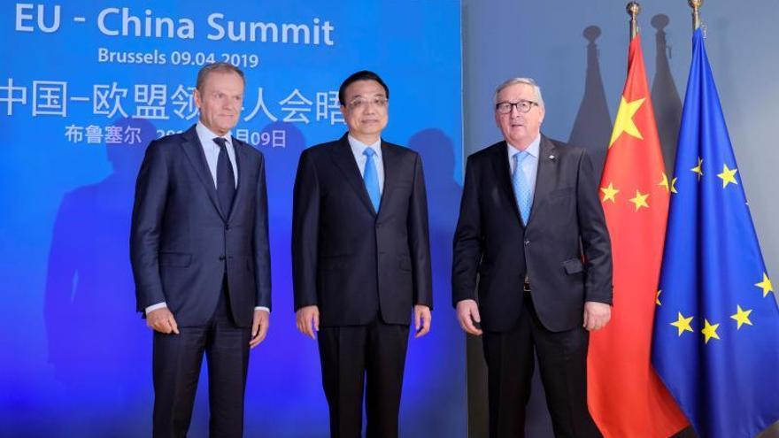 La UE y China abren la cumbre con inversiones y subsidios industriales en cuestión