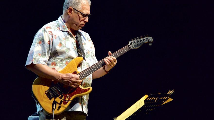 David Espinozza es otro de los componentes de la banda de Steve Gadd / GOIO VILLANUEVA