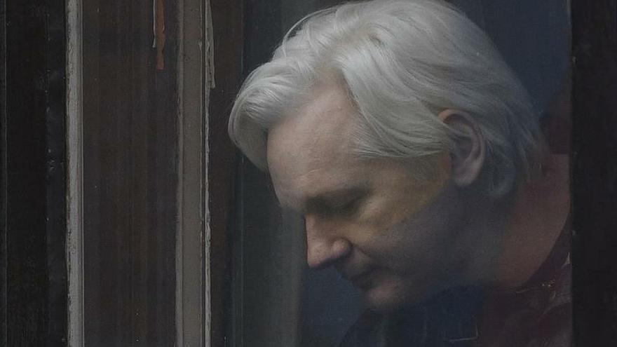 La defensa de Assange denunciará en Ecuador un supuesto espionaje de españoles