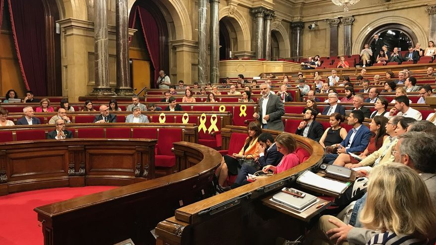 La CUP, JxCat y ERC transaccionan la moción del 9N y la aprobarán juntos en el pleno