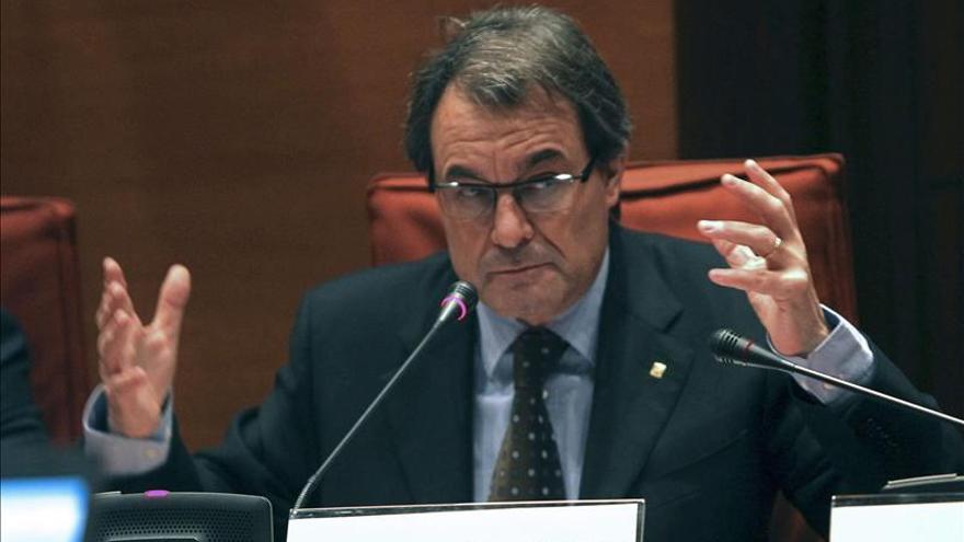 La Generalitat incumple el déficit para 2012, al cerrar en el 2,3 por ciento del PIB