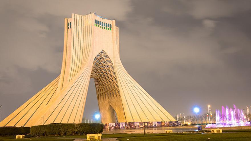La torre Azadi, el monumento que se ha convertido en el escenario de los acontecimientos más importantes de Irán en el último medio siglo.