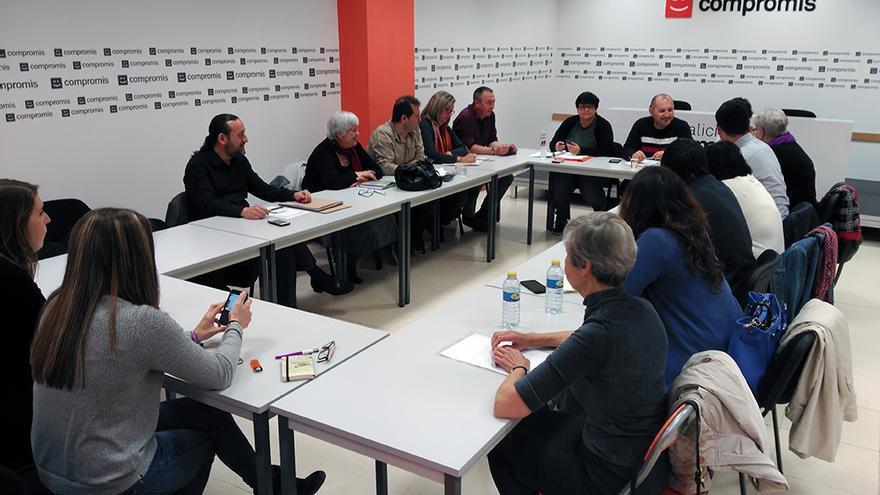 Un momento del encuentro entre Compromís, Podemos y EU para negociar las condiciones de la confluencia de cara al 26J