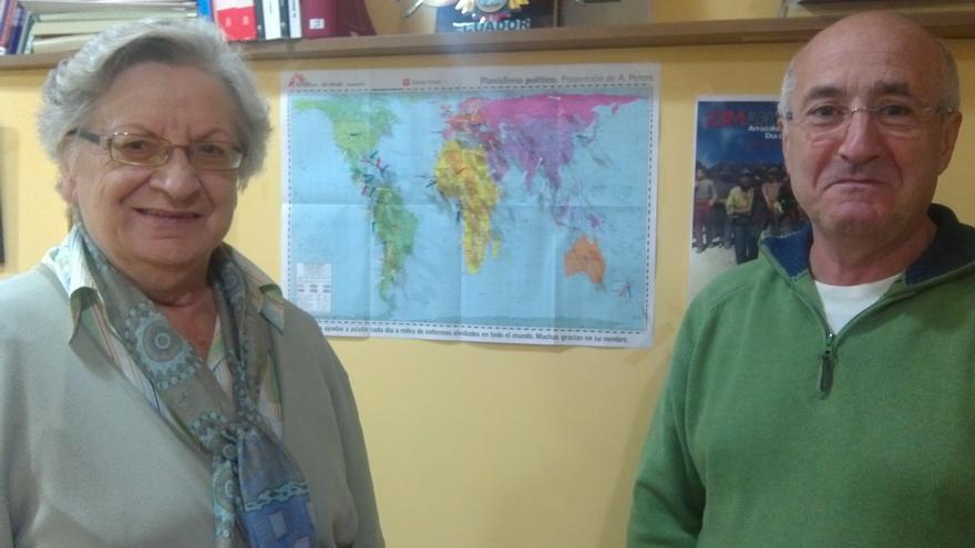 Rafel Paredes y Ascensión de Vicente, abogado y voluntaria de la asesoría jurídica Etorkin.