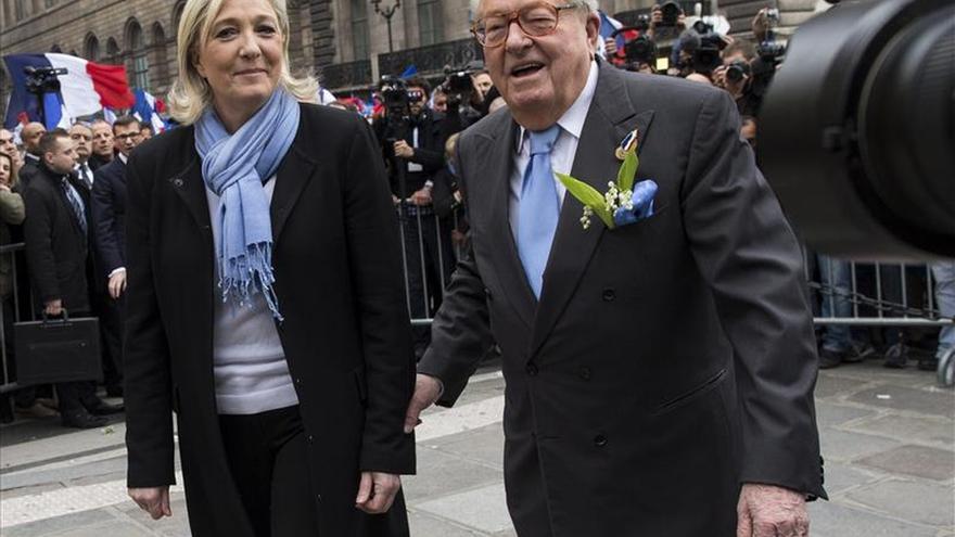 Marine Le Pen rompe con su padre, símbolo del FN más extremo. \ Efe