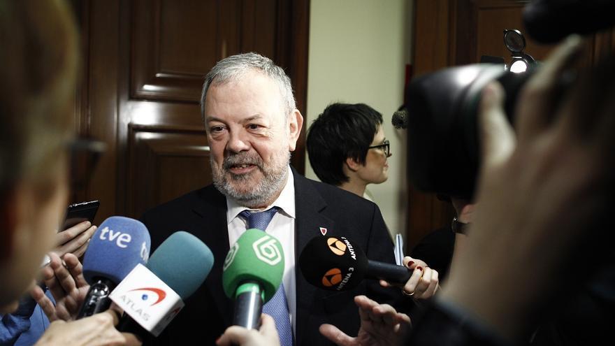 """Azpiazu (PNV) cree que Rajoy debe """"poner sobre la mesa"""" aquellas cuestiones que está dispuesto a """"cambiar y reformar"""""""