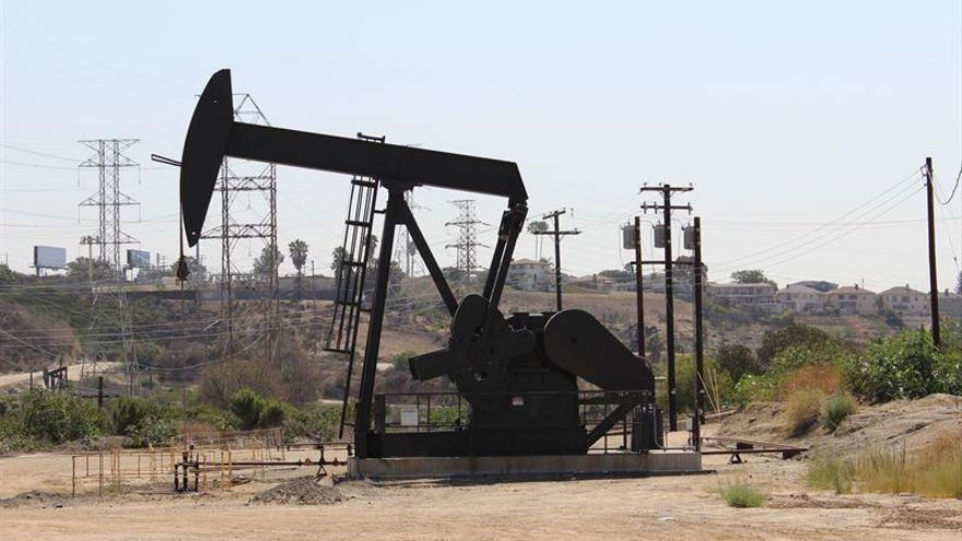 Las reservas de petróleo de EEUU bajan en 1,6 millones de barriles