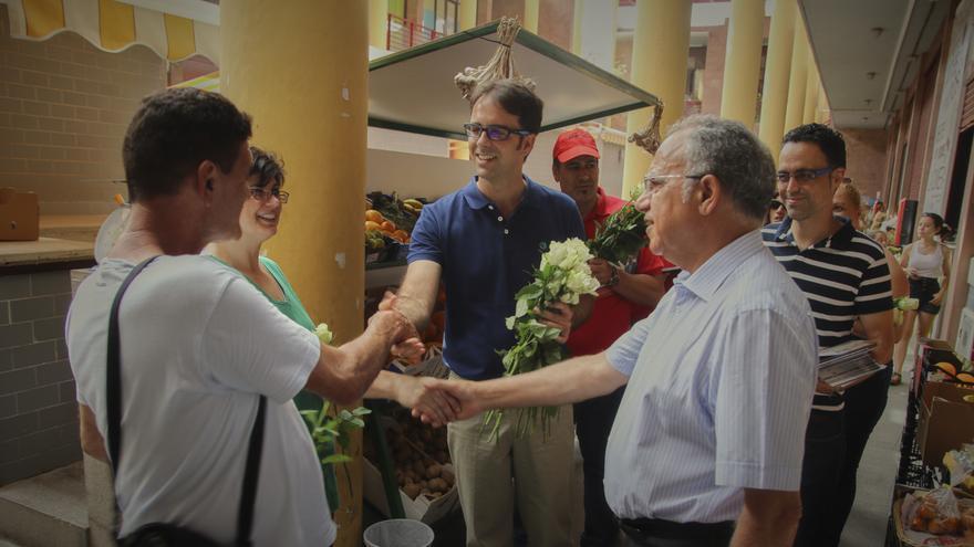 Un instante de la visita al mercado