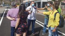 Juanjo Cabrera atiende a los medios de comunicación.