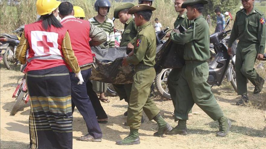 Cinco muertos en el accidente de un avión militar en Birmania