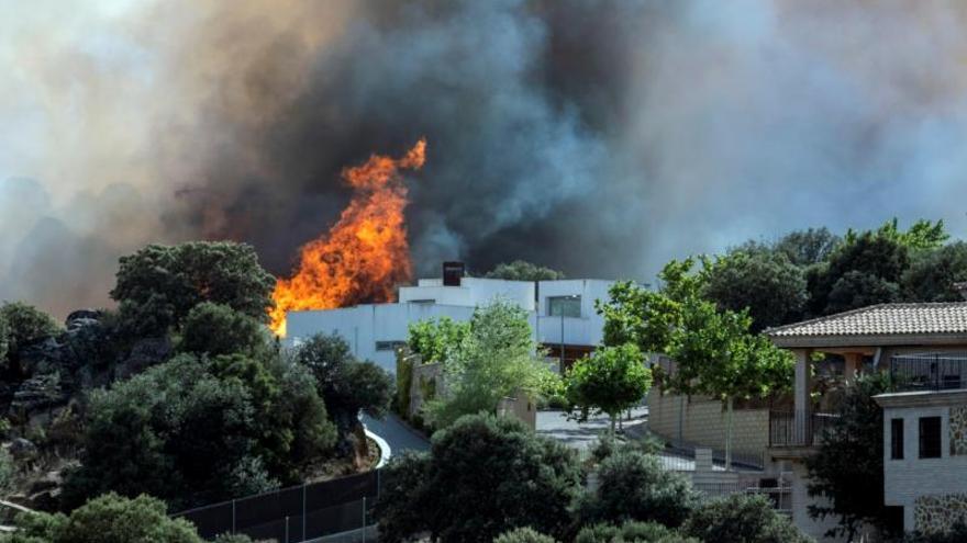 La UME se suma a las tareas de extinción del incendio de Toledo