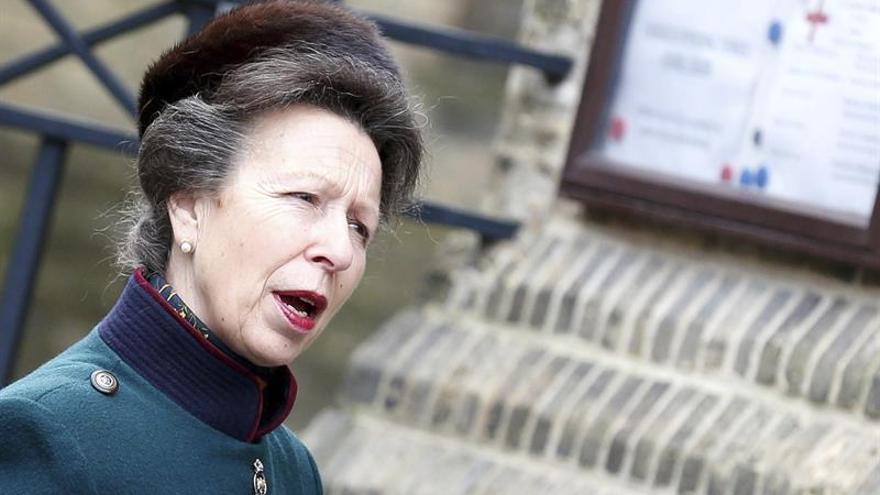 La princesa Ana cancela sus compromisos públicos por problemas respiratorios