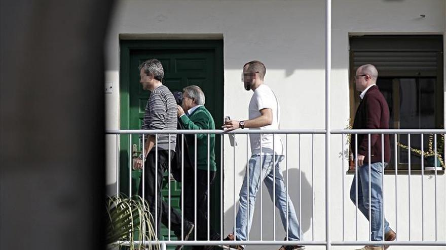 El juzgado seguirá tomando declaración a los detenidos a partir de mediodía