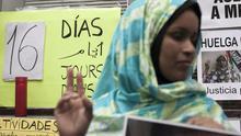 """La saharaui Takbar Haddi, tras 20 días en huelga de hambre: """"Mi hijo me pide justicia en sueños"""""""