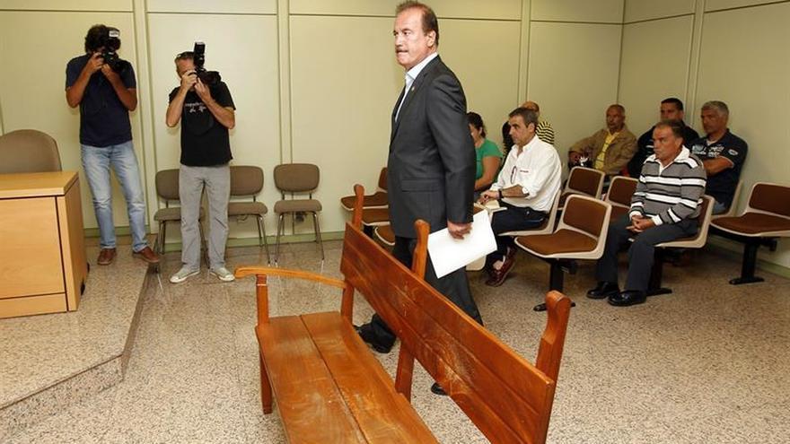 El alcalde de Firgas dimite tras admitir que suplantó a su hijo en oposición