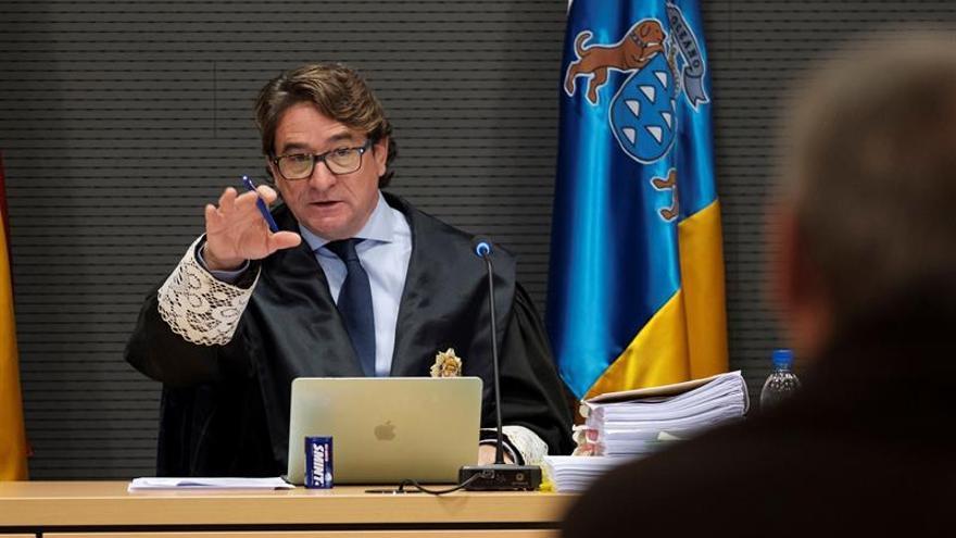 El juez Alba avisa de que la imagen de la Justicia va a sufrir con su defensa