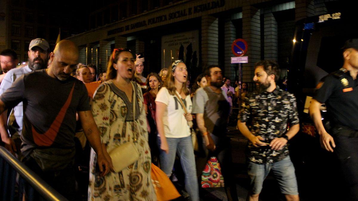 Momento del abandono de Ciudadanos de la Manifestación del Orgullo | SOMOS CHUECA